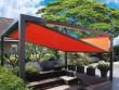 Une pergola aux formes géométriques pour un jardin dynamique