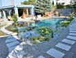 Des pas japonais pour une piscine zen
