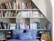 Une bibliothèque de récup' dans une alcôve