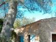 Un mazet en pierres en guise de pool house