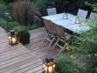 Une terrasse cosy éclairée en douceur
