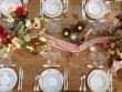 Une déco de table rose et doré au charme ancien