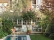 Une petite terrasse accueillante et conviviale
