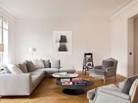 Un appartement parisien modernisé avec élégance