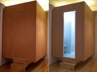 Une salle de bains dans un cube en lévitation