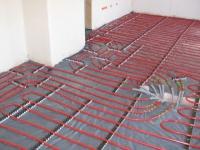 Le plancher chauffant rafraîchissant séduit le marché de la maison neuve