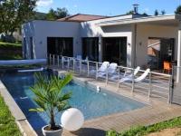 Modernité et esthétique pour une maison de constructeur à Mâcon