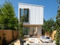 Une maison container étonnamment spacieuse et lumineuse