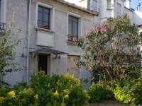 Une petite maison s'agrandit pour loger trois générations
