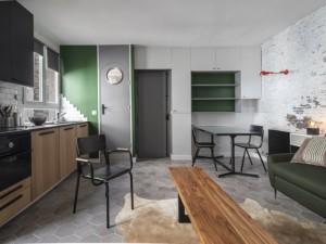 Un espace de vie aéré et agrandi pour ce studio