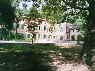 La demeure de Pontmartin : un tableau romantique