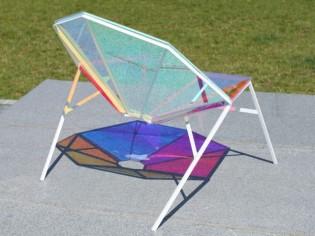 Un fauteuil pour le jardin aux couleurs aléatoires