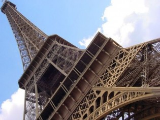 La Tour Eiffel plus chère que le Colisée