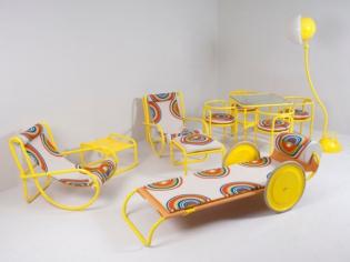 Le mobilier du film La Piscine mis en vente