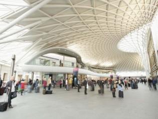 La céramique ressuscite le parvis de la gare de King's Cross