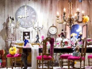 Noël pointe son nez dans les vitrines des grands magasins parisiens...