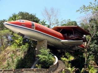 Hôtel insolite : une nuit dans... l'épave d'un Boeing 727