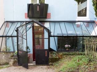 Une verrière contemporaine comme jardin d'hiver