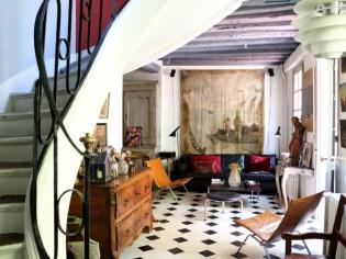 Une maison galerie parisienne aux accents de campagne