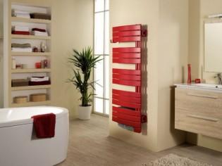 Un radiateur sèche-serviettes en harmonie avec ma salle de bains