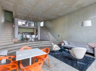 Visitez la première maison signée Philippe Starck