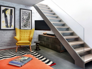 Rénovation : une maison de ville renoue avec les années 70