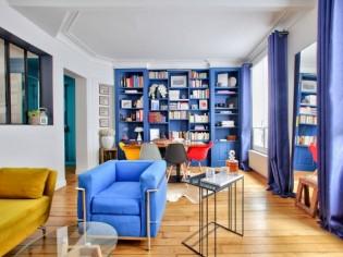 Derrière la bibliothèque, une chambre cachée de 12 m2