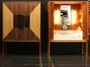 Insolite : Un meuble de toilette dans une armoire