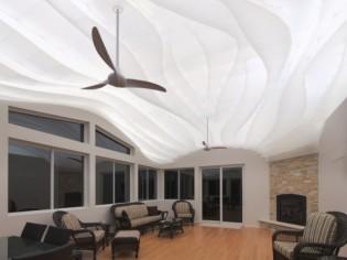 Faux plafond : acrylique et rétroéclairage pour créer une vague de lumière