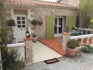 Avant/après : rénover une terrasse avec du béton