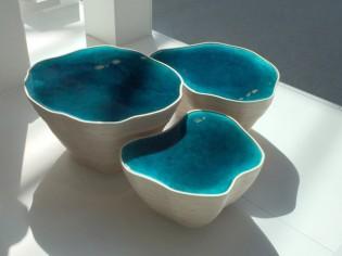 Une table-sculpture allie technologie et artisanat