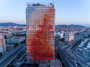 La Marseillaise selon Jean Nouvel : une tour bleu-blanc-rouge