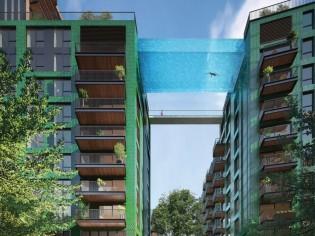 A Londres, une piscine suspendue entre deux tours