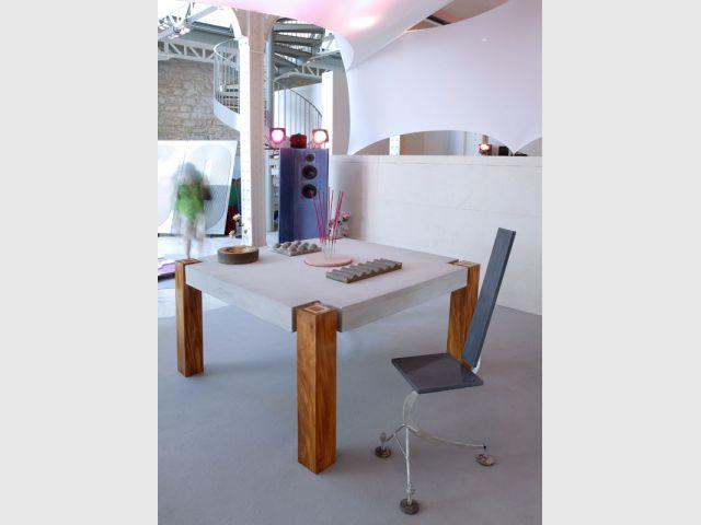 HB2C table enceinte chaise beton