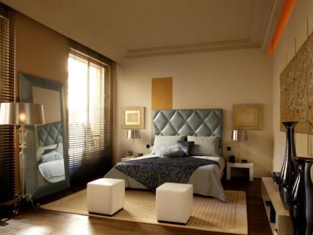 Luxe sur l 39 le saint louis - Eclairage chambre spot ...