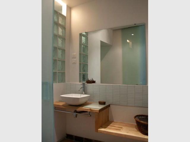 Une salle de bains transparente
