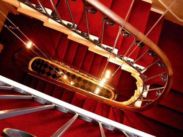 maison bord'eaux escalier