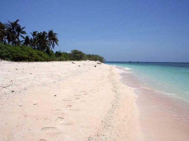 Plage île dom-tom sable