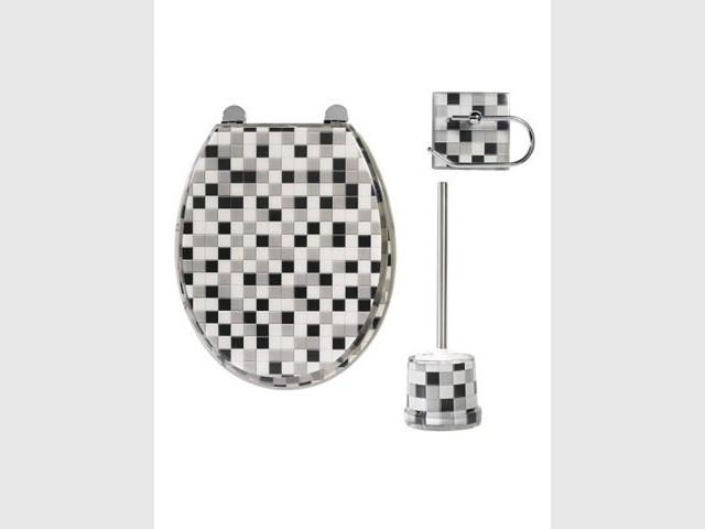 brin de folie dans les toilettes. Black Bedroom Furniture Sets. Home Design Ideas