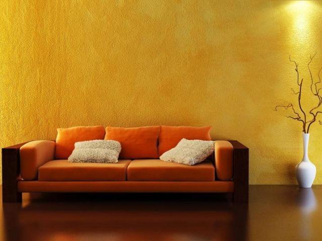 crépi mur interieur jaune canapé