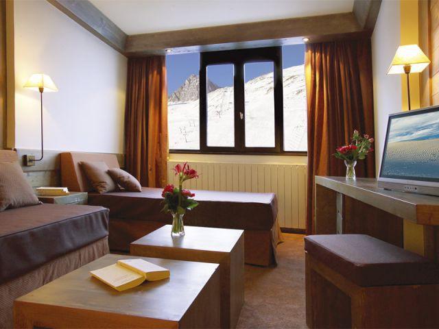 1 h tel de charme au pied des pistes. Black Bedroom Furniture Sets. Home Design Ideas