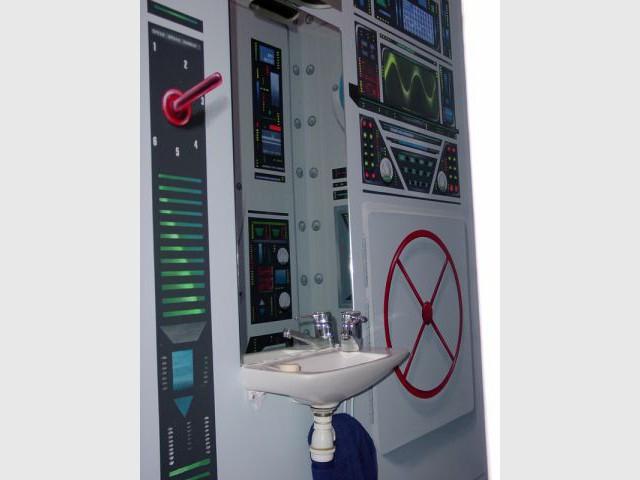 Tableau de commandes - WC décorés - sous-marin