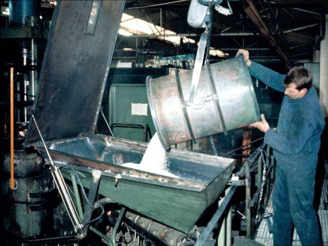 fabrication Panton Chair matériau