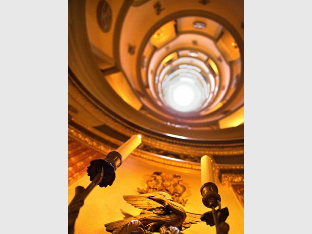 escalier vue du bas l'hôtel