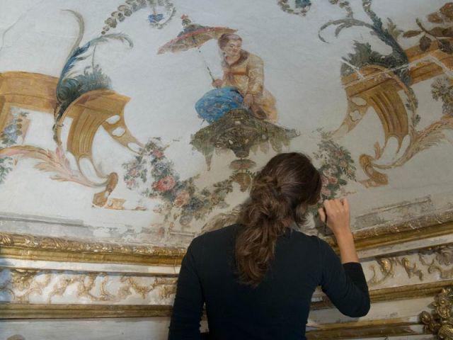 Plafond pendant la restauration - Plafond Grande Singerie Chantilly