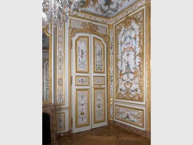 Vue de la porte restaurée - Décor Grande Singerie Chantilly