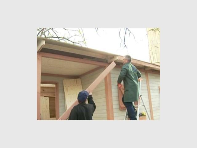 Installation de la maison - Emmaus maisons bois