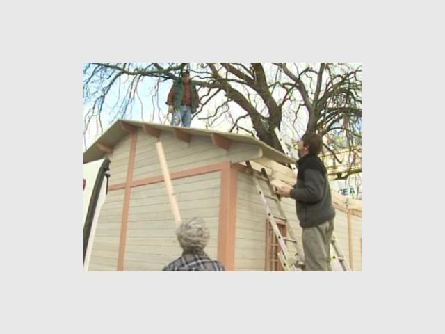 Construction du toit 1/4 - Emmaus maisons bois
