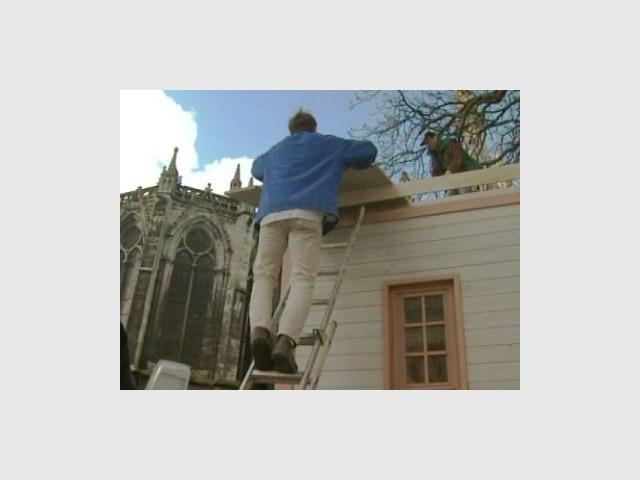 Construction du toit 2/4 - Emmaus maisons bois