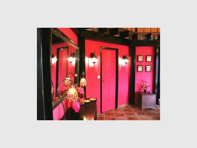 Rose et noir - Reportage salon - Linda Flament - relooking d'intérieur